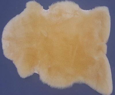 groot medicinaal schapenvacht van 95,00 euro NU VOOR 75,00 euro