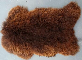 140x80cm.  bruin langharig schapenvacht